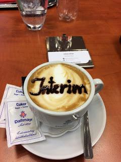 Interim – cappuccino